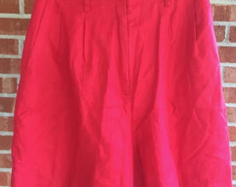 Vintage Ann Taylor Loft red high-waisted 90s mom shorts. Size 8