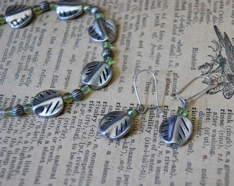 Silver and green leaf jewelry set