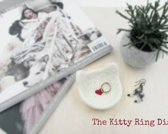 Ring dish / Cat wedding gift / Valentine day gift / wedding favor / bridesmaid shower gift / cat lovers gift / gift for her / gift for mom