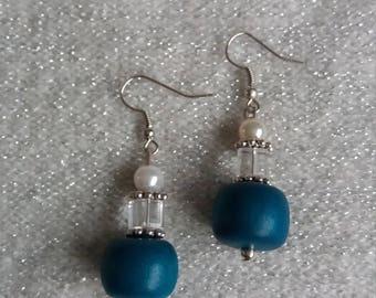 Turquoisr blue with pearl effect n crystal