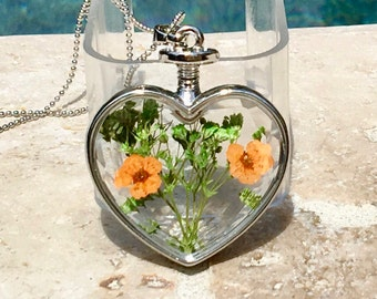 Beautiful dried flowers necklace - handmade