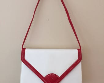 Timeless 1970s Vintage SaksFifthAvenue White Leather Handbag with Red Trim/Strap is Detachable