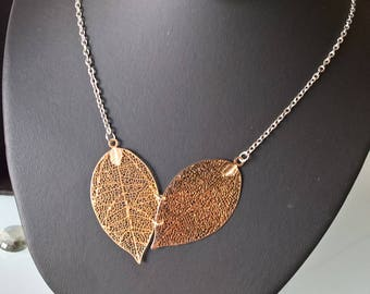 Choker chain necklace gold leaves