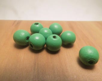 8 large wood beads 12mm round