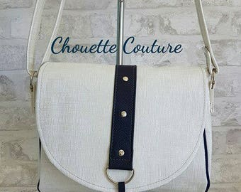 Small Messenger bag / shoulder bag all leather white and Blue Navy very chic and lined with a printed fabric stripes sailor spirit