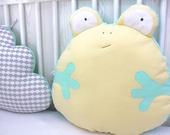 Cot bumper, 70cm wide, cloud pillows and funny frog, yellow, mint green and grey