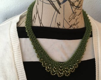 green knit necklace, knitted necklace, knit beaded necklace,  beaded necklace, statement necklace, rustic jewelry, bib necklace