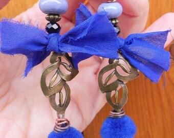 handmade model pretty blue earrings
