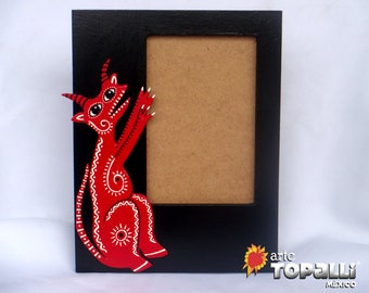 Wooden frame, Diablito Mexican on wood. Wood frame with openwork Devil wood, hand made. Mexican Devil, Original Desing