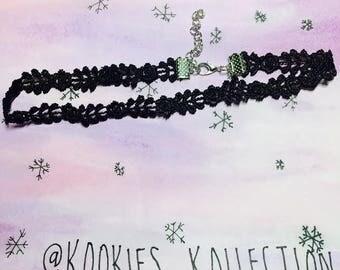 Black lace chocker