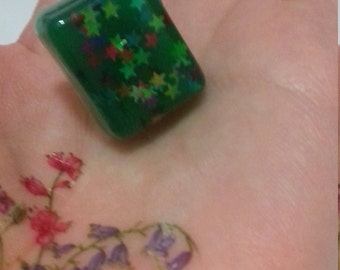 Green star glitter adjustable resin ring