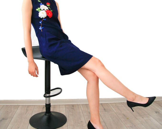 Ribbed dress with floral embroidery ribbons
