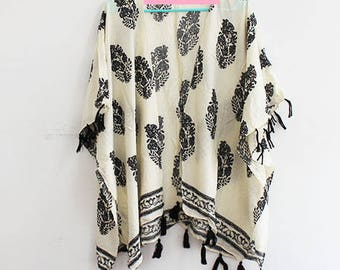Kimono with Leaf Pattern in Ivory Cream