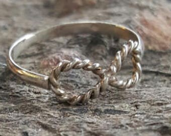 """Ring """"Infinity Rope"""""""