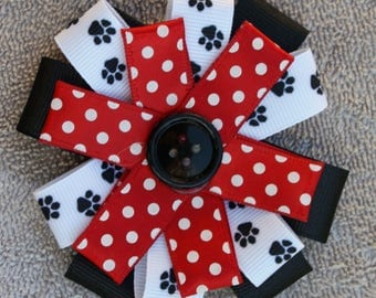 Flower Loop Hair Bow, It is made with GA Bulldog Colors and it is attacked to an alligator clip.