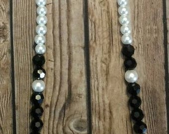 Black and white beaded necklace - bonus bracelet - long chic necklace