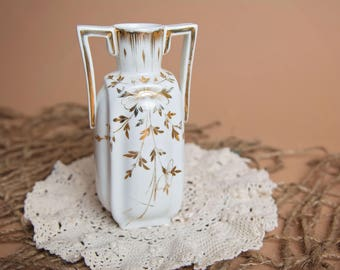 White and Gold Flower Vase