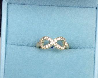 14kt Diamond Infinity Ring