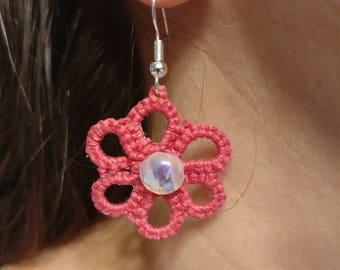 daisy earrings, tatted earrings, lace earrings