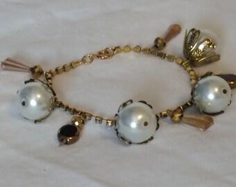Large pearl dangle