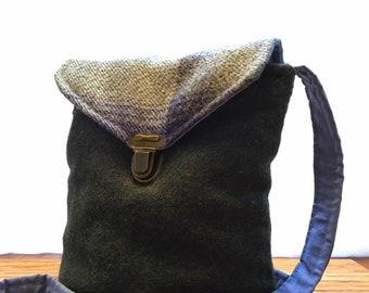 Cross body tweed bag