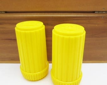 Vintage 60s Plastic Salt and Pepper Shakers Yellow Mod Pair Kitchen Decoartion