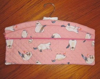 Siamese Cats Design Closet Hanger Organizer Quilted Fabric Pink
