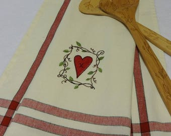 Heart Towel, Embroidered Towel,Valentine's Day Towel,Tea Towel,Heart Hand Towel,Hand Towel,Valentine's Day,Kitchen Towel,Country Heart/Frame