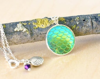 Iridescent Green Mermaid Scale Necklace   Round Mermaid Scales Pendant   Mermaid Jewelry   Magic Mermaid Necklace
