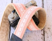 Camera Strap - Peach Linen Lace.  dSLR Camera Strap. Camera Neck Strap.  Vintage Camera Strap. Camera Accessories.  Photographer Gift.