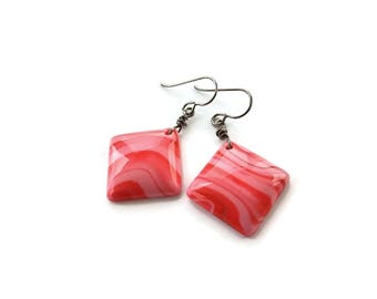 Pink marbled square drop dangle earrings - Hypoallergenic pure titanium and resin earrings