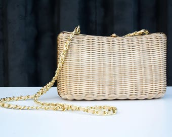 Vintage Waves by Tandem Bags Cream Colored with Gold Chain Accent Woman's Woven Retro Shoulder Bag Purse Tote