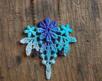 Blue & Turquoise Ombre Dip Dye Floral Venice Lace Necklace| Hand Tie Dye Necklace| Lacey Necklace| Boho Summer Necklace| Statment Necklace |