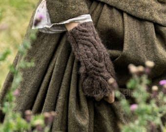 Claire's Gauntlets, Outlander Fingerless Wool Mitts, 8 Custom Colors