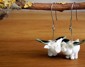 When pigs fly - flying pigs earrings in porcelain with surgical steel hooks