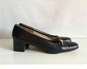 Vintage Shoes Women's 80's Ferragamo, Navy Blue, Leather, Pumps (Size 10)
