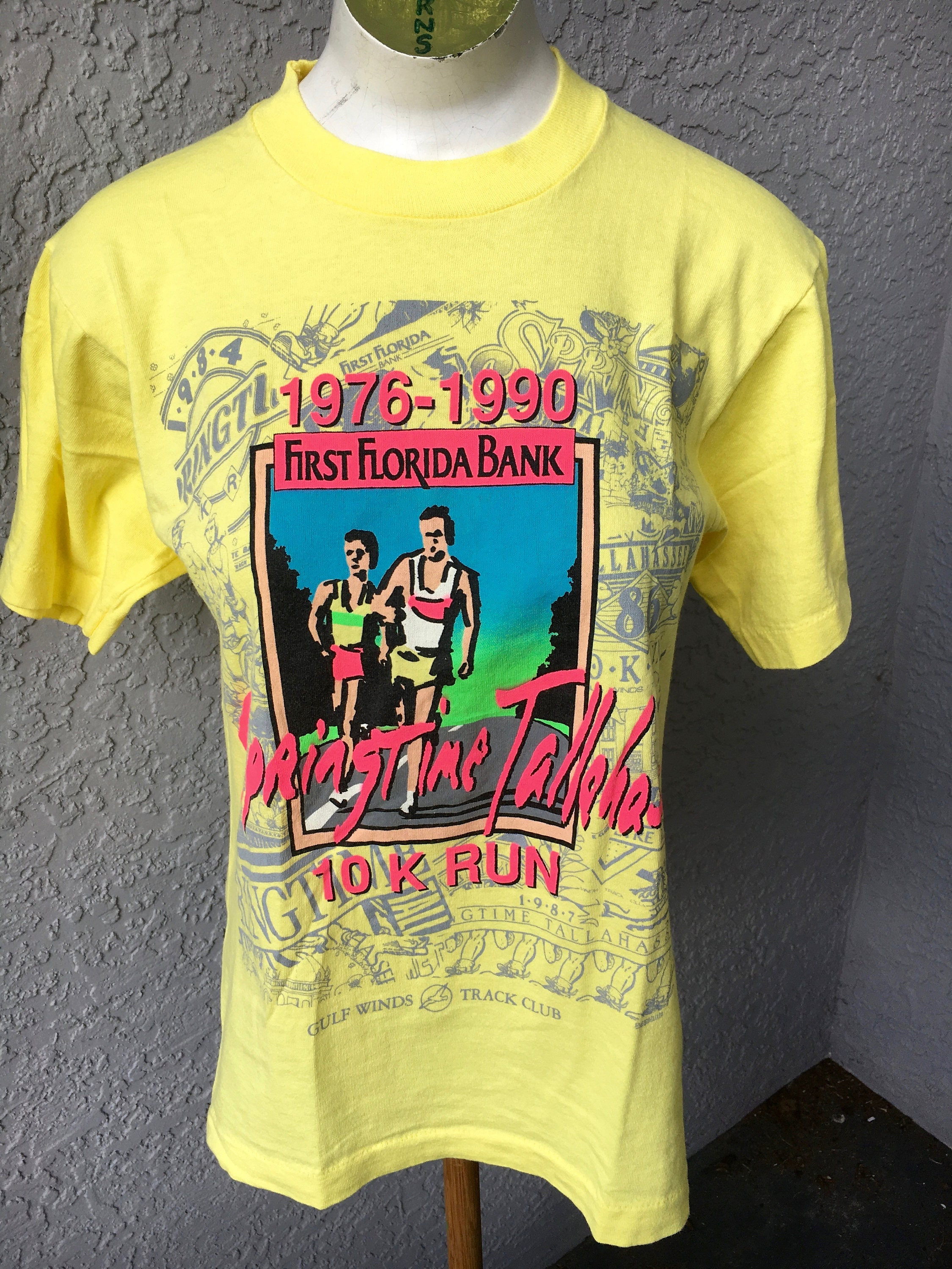 696d4c11511c14 ... Springtime Tallahassee 1990 vintage 10k tee shirt - size small  exquisite style c93fd 6df10 ...