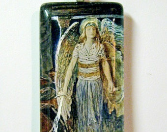 Guardian Angel pendant with chain - GP01-516