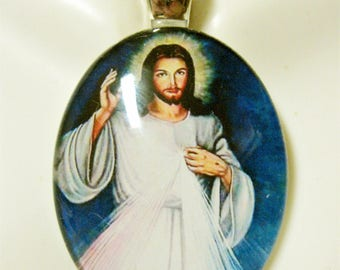 Divine Mercy glass pendant with chain - GP18-138