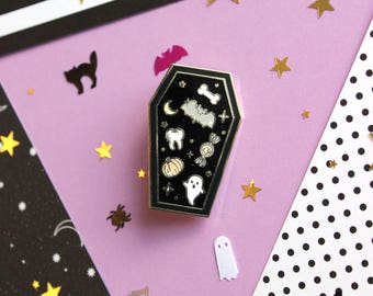 Coffin Full Of Spoops - Hard Enamel Pin with Glitter & Screenprinting - Pastel Goth