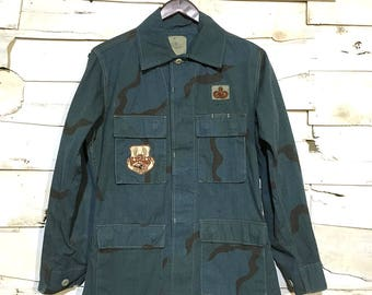 Vintage Army Issue Dyed Dessert Camo 100% Cotton Warm Weather Button Up Jacket Made in USA - Blue