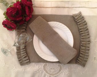 Pleated Linen Placemats and napkins used in cottage farmhouse classic and beach decor