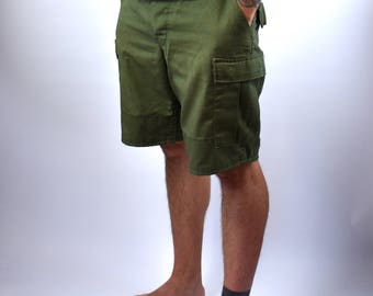 1970's Vietnam Era Men's Military Cargo Shorts, Size Large, Made in the USA