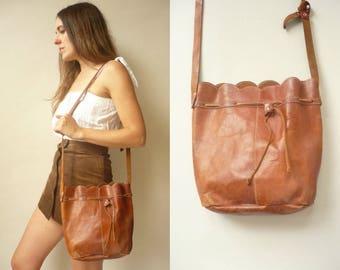 1970's Vintage Tan Leather Drawstring Shoulder Bag Festival Bucket Bag