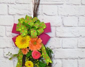 Spring Swag, Teardrop Swag, Gerber Daisy Wreath, Gerbera Daisy Swag, Spring Decor, Easter Decor