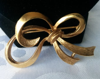 Gold Tone Bow Brooch, Vintage Brooch, Gold Tone Bow Brooch