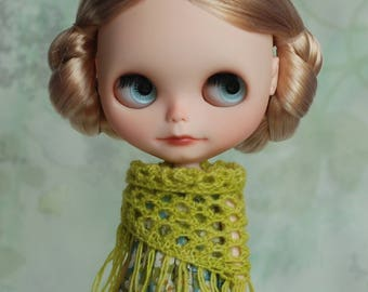 Triangle scarf with frays for Blythe, apple green