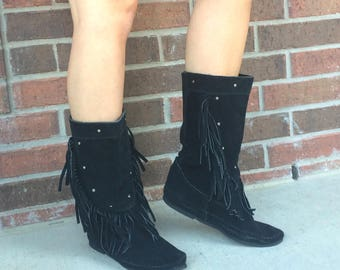 vintage black MINNETONKA suede leather FRINGE BOOTS studded 9 tall flat moccasin hippie boho shoes