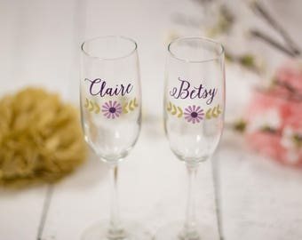 Bridesmaid gift, Wedding Party gifts, Personalized toasting flutes, Maid of Honor gift, bachelorette favor, rustic wedding, summer flowers