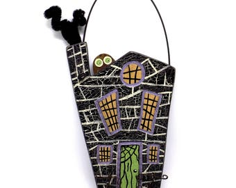 Haunted House, Haunted House Ornament, Haunted House Decor, Halloween Finds, Halloween Trends, Halloween Decor, Halloween Ornament